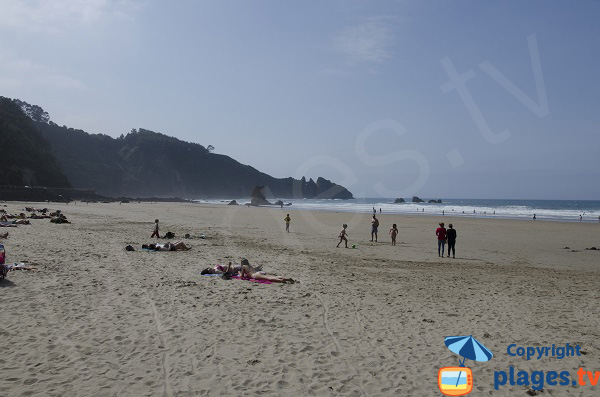 Belle plage dans les Asturies en Espagne - Aguilar