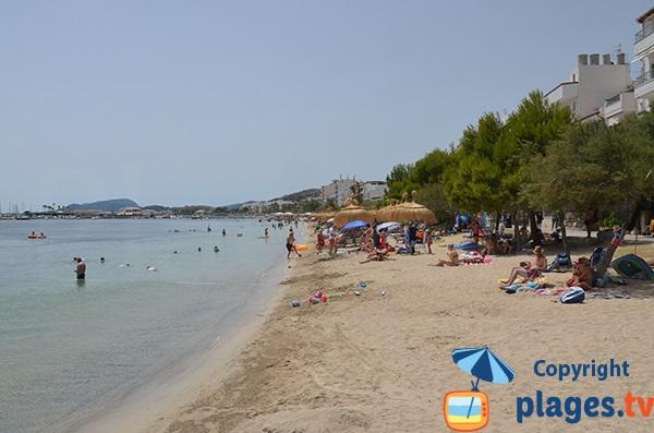 Vue sur le port depuis la plage d'Albercuix - Port Pollença
