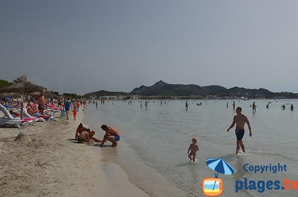 Baignade adaptée aux enfants à Port d'Alcudia - Majorque