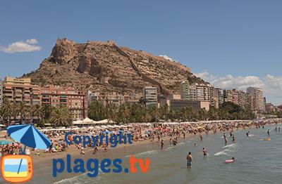 Plage à Alicante avec son château - Espagne