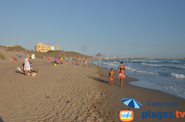 Photo de marbella espagne plage naturiste proximit de for Piscine paris naturiste