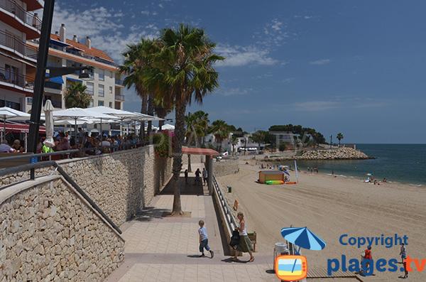 Restaurant au dessus de la plage de l'Avellanes - l'Ampolla
