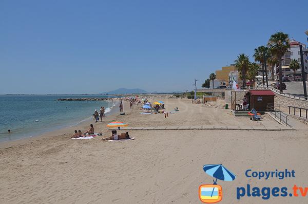 Photo de la plage Avellanes à l'Ampolla - Espagne