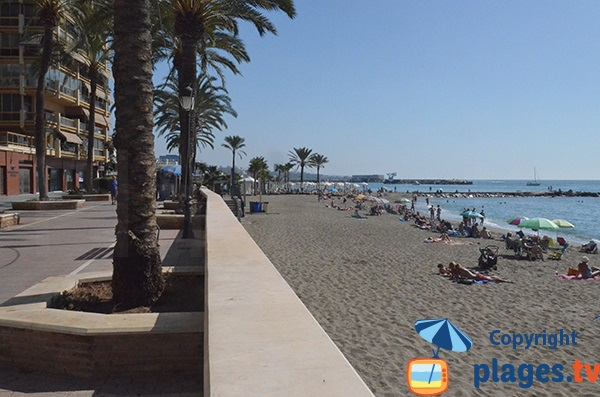 Deuxième zone de la plage de Bajadilla à Marbella