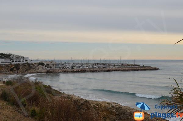 Plage des Balmins et port de Sitges