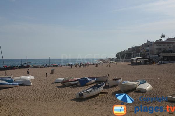 Plage des Barques à St Pol de Mar en Espagne
