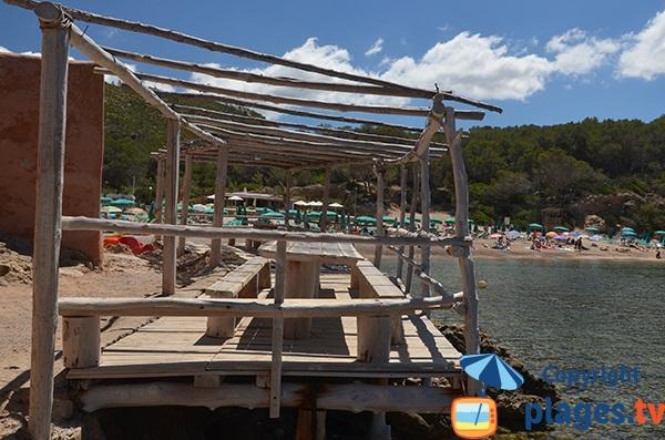Pique nique sur la plage de Benirras - Ibiza