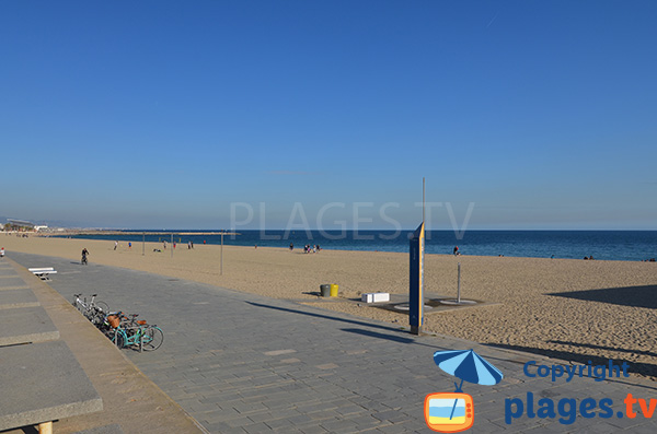 Photo de la plage de Bogatell à Barcelone