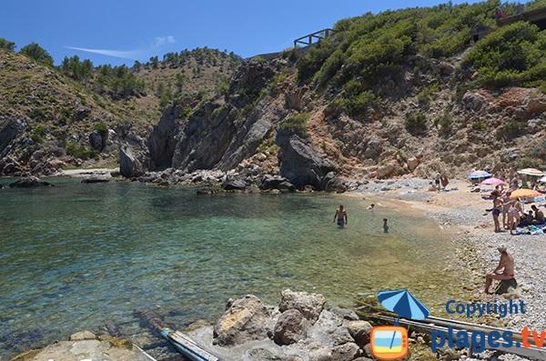 Petite crique à proximité de Portinatx à Ibiza