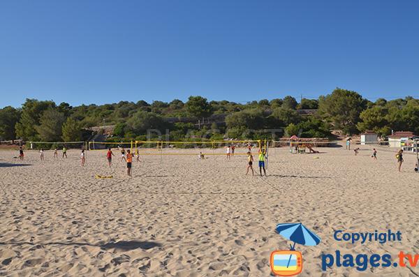 Beach volley sur la plage de Cala Marcal à Portocolom - Baléares