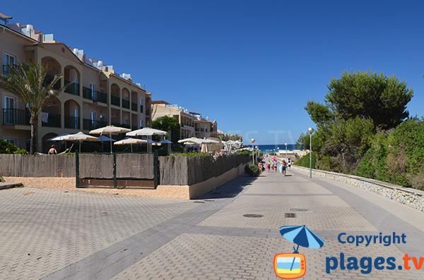 Photo de l'accès à la plage de Cala Mesquida à Majorque