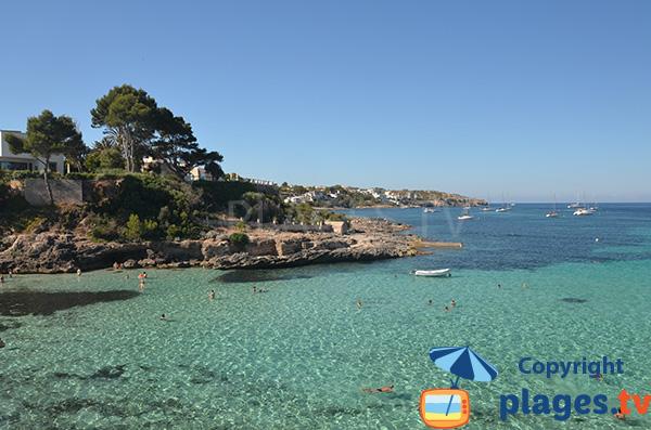 Eau claire dans les environs de Palma de Majorque