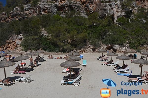Location de matelas sur la plage de Cala Pi - Majorque