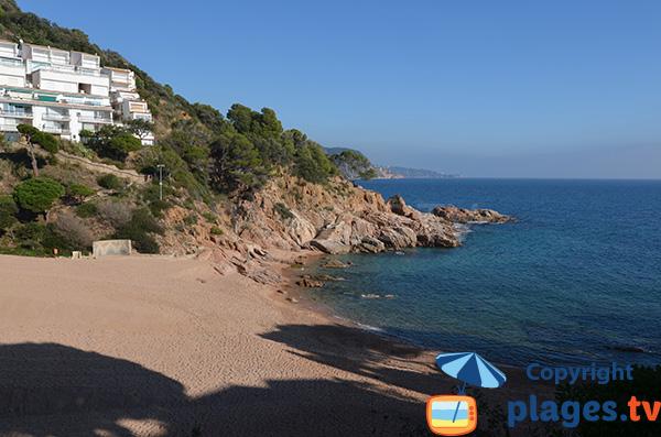 Photo de la plage dans la Cala Salionc sur la Costa Brava