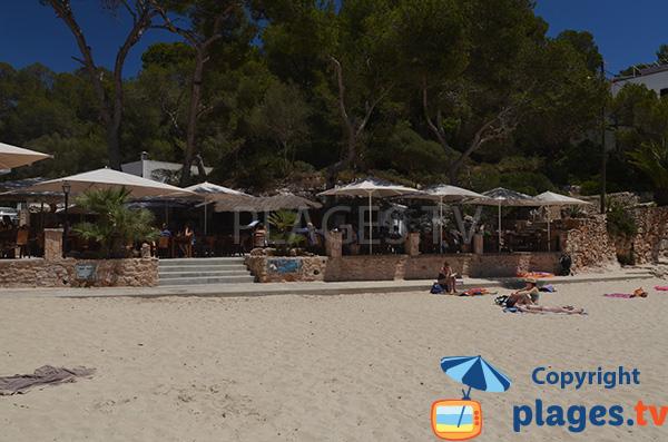 Restaurant sur la plage de Cala de Santanyi à Majorque
