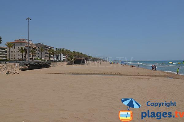 Vue sur la plage de Mas Mel depuis Calafell