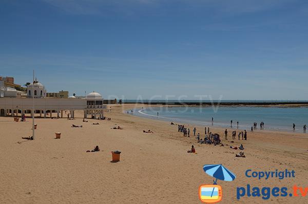 Belle plage à Cadix en Andalousie