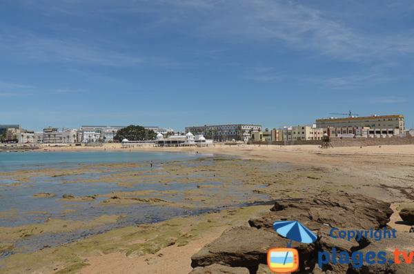 Photo de la plage de la Caleta à Cadix en Espagne