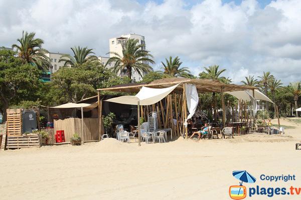Paillote sur la plage d'El Callao à Mataro