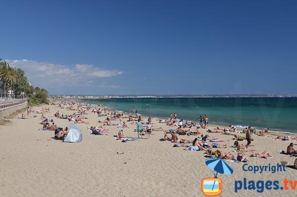 Beach nearest to the historic center of Palma de Mallorca