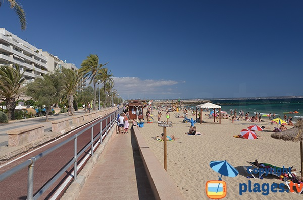 Access for people with reduced mobility on the beach of Portixol - Palma de Mallorca