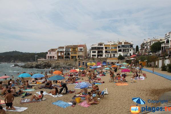 Plage de Canadell à Palafrugell en été