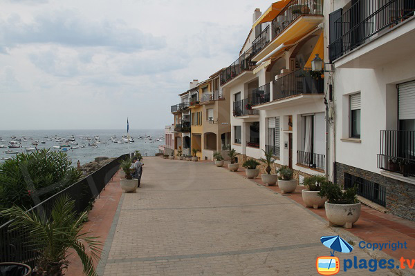 Front de mer à Canadell en direction de Port Bo - Calella de Palafrugell