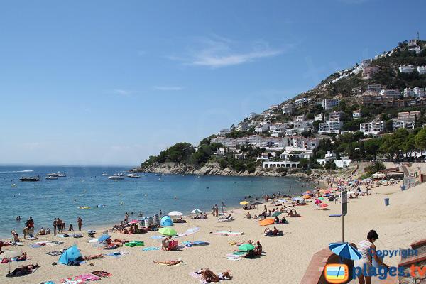 Plus belle plage de Roses en Espagne