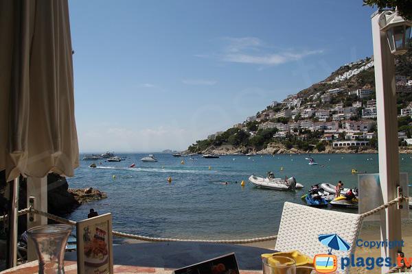 Restaurant avec vue mer sur la plage de Roses