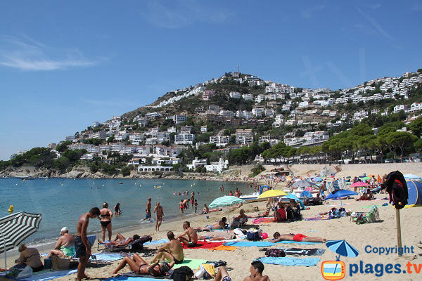 Photo of Canyeles beach in Roses - Spain