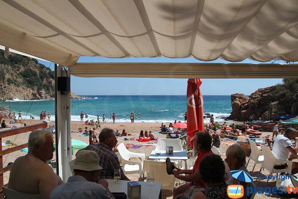 Restaurant sur la plage de Canyerets à Sant Feliu de Guíxols