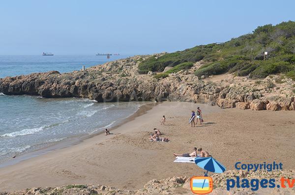Petite crique à côté de la plage de Llarga - Tarragone