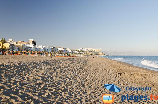 Photo de la plage de Carihuela à Torremolinos en Espagne - Andalousie