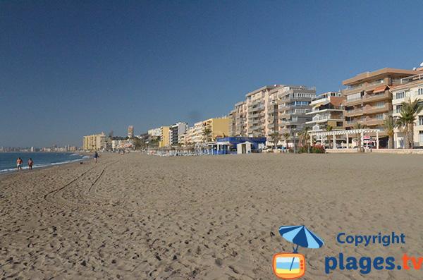 Vue sur la plage de Carvajal et les immeubles de Fuengirola