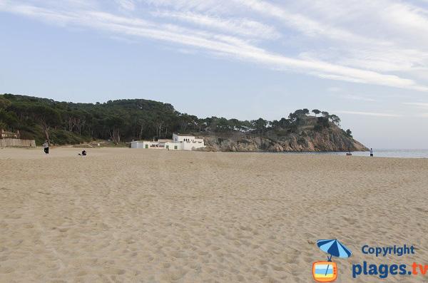 Photo de la plage du Castell à Palamos en Espagne