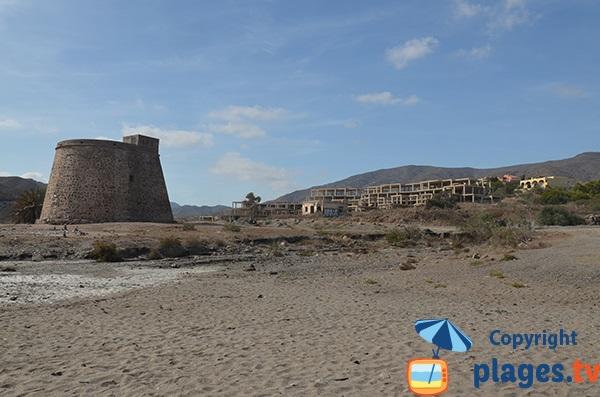 Château de Macenas et constructions à l'abandon à Mojacar