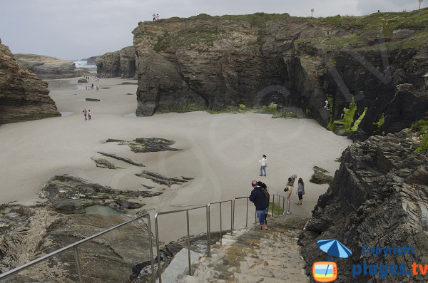 Accès à la plage des Cathédrales à Ribadeo