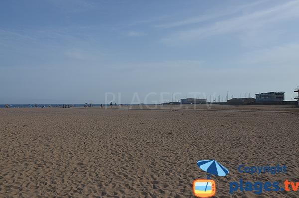 Plage au nord du port d'Arenys de Mar - Espagne