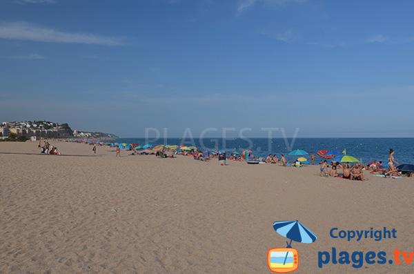 Photo de la plage de Cavaio à Arenys de Mar en Espagne