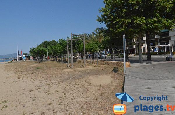 Promenade piétonne de la plage de Cambrils