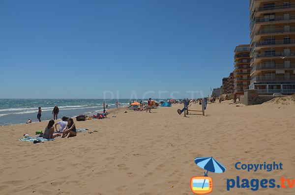 Plage de sable à Arenals del Sol - Espagne