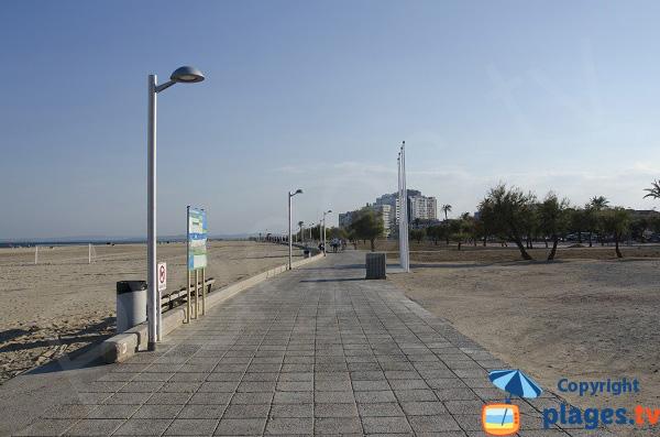 Promenade de la plage d'Empuriabrava