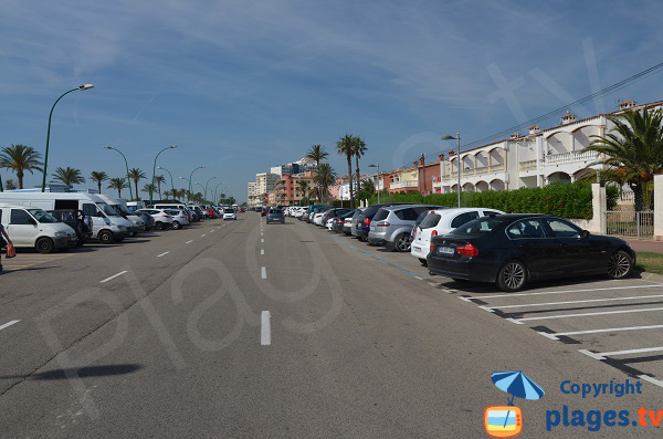 Parking de la plage du centre d'Empuriabrava