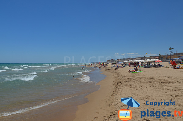 Location de matelas sur la plage du centre de Guardamar