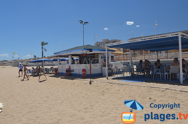 Paillote sur la plage du centre de Guardamar