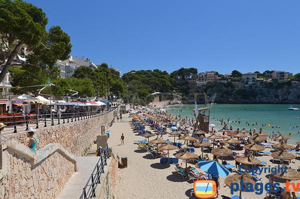 Locations de matelas sur la plage de Porto Cristo à Majorque