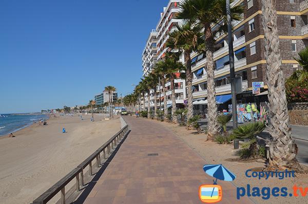Promenade le long de la plage du Centre de Villajoyosa