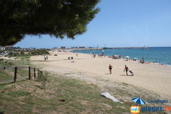 Photo de la plage centrale d'Arenys de Mar en Espagne