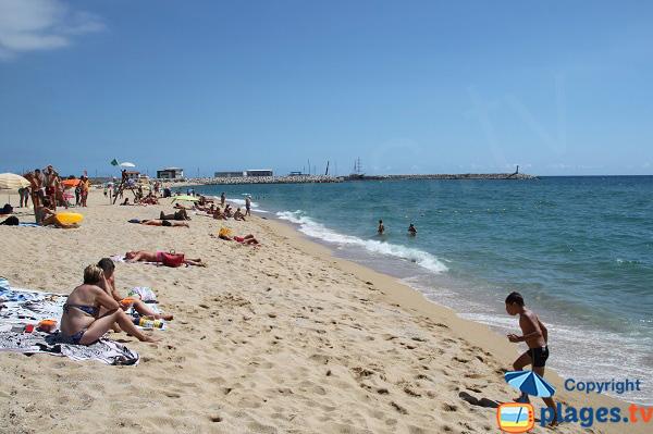 Plage du Port à Arenys de Mar - Espagne