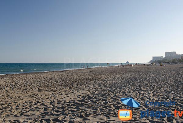 Photo de la plage El Bajondillo à Torremolinos en Espagne